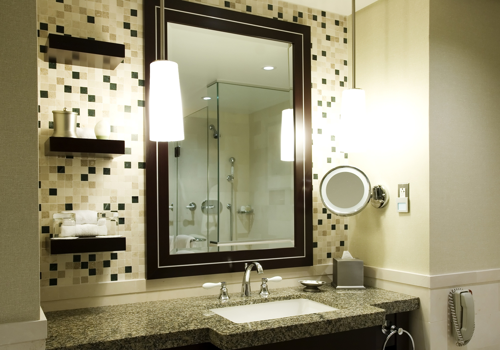 Small bathroom design ideas and inspiration dallas for Small bathroom designs bloggers