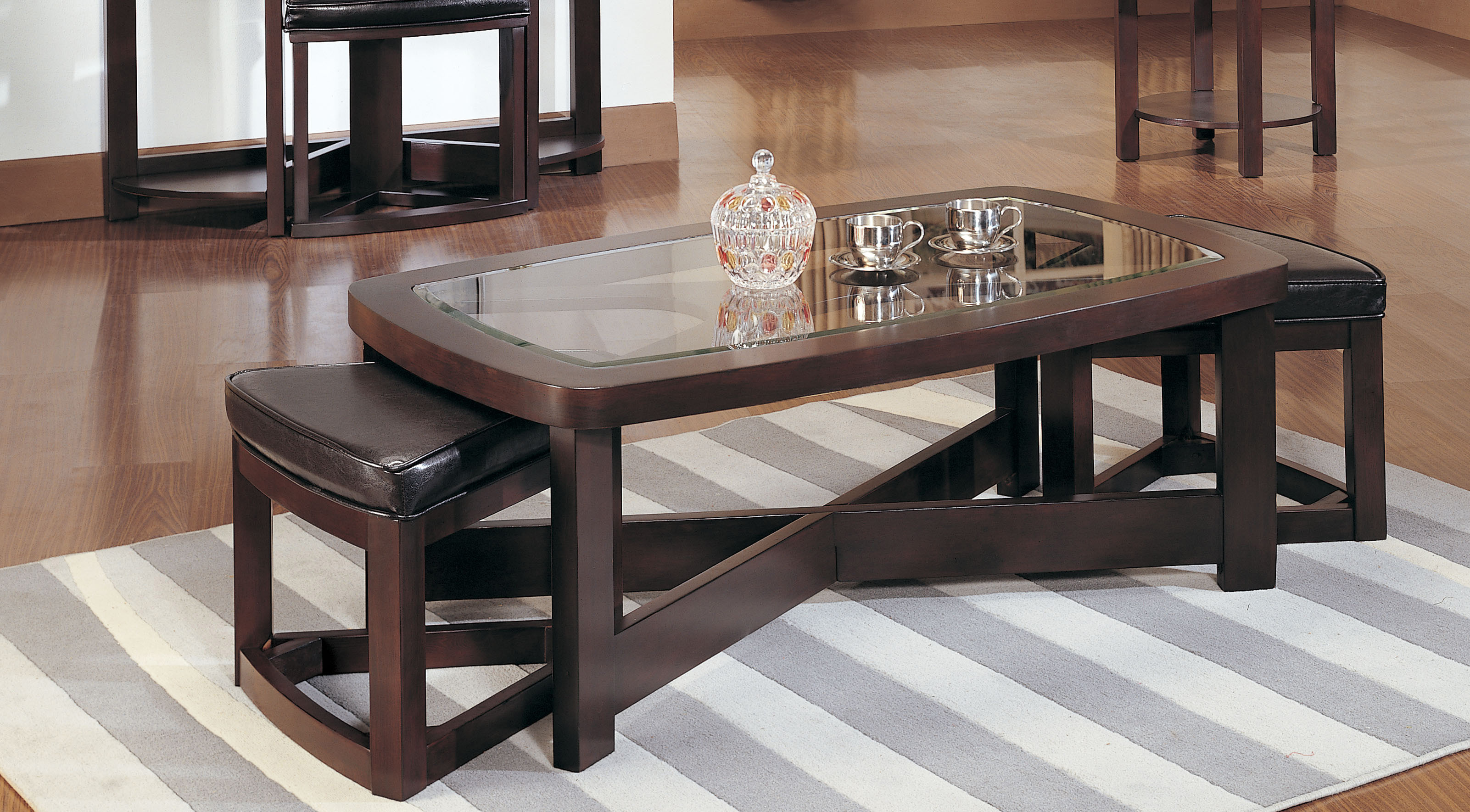 Homelegance Brussel Rectangular Coffee Table With 2 Stool