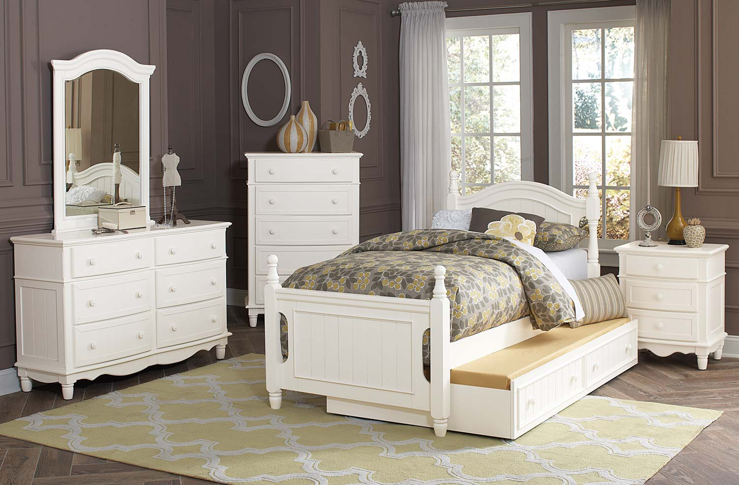Homelegance Clementine 5pc White Full with Trundle Bedroom Group