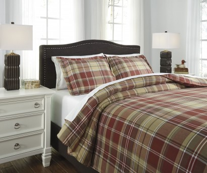 Ashley Danail Red/Green King Duvet Cover Set Available Online in Dallas Fort Worth Texas