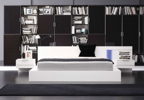 VIG Alaska White Lacquer Bed Available Online in Dallas Fort Worth Texas