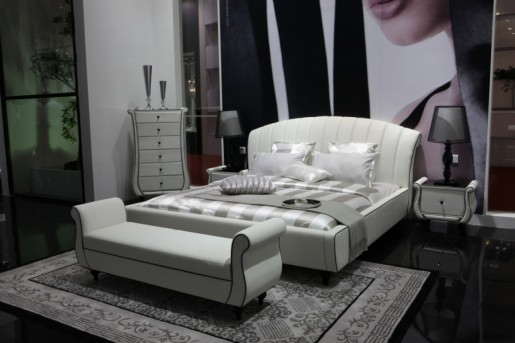 VIG Auspicious Leather Bed Available Online in Dallas Fort Worth Texas