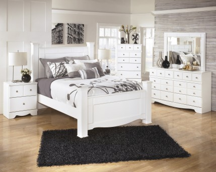 Ashley Weeki 5pc Queen Poster Bedroom Group Available Online in Dallas Fort Worth Texas
