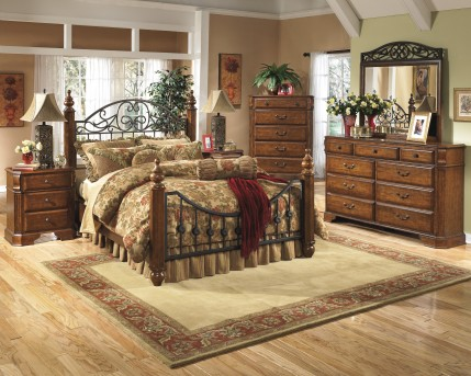 Ashley Wyatt 5pc King Poster Bedroom Group Available Online in Dallas Fort Worth Texas