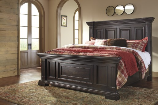 Willenburg Cal King Panel Bed Available Online in Dallas Fort Worth Texas