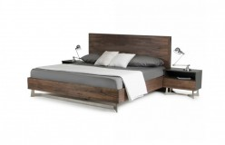 VIG Wharton Dark Aged Oak Bed Available Online in Dallas Fort Worth Texas